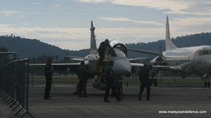 RTAF Gripen being prepared on the opening day of Lima 2011