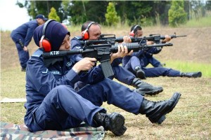 RMAF personnel shooting the M4A1 Carbine, MAF Standard Rifle.