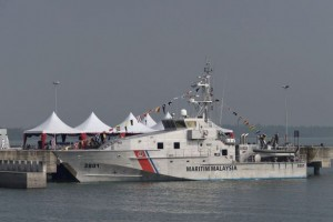 KM Perwira, one of the two Bay class patrol boats donated to MMEA by Australia. It is likely that the Bay class was the design proposed for the tri-nation VLPV project  in the late 80s.