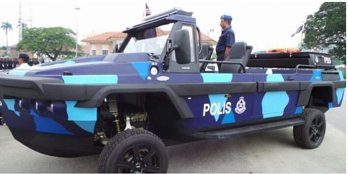 PDRM new Humdinga amphibious vehicle on display at the 2016 Police Day parade. PDRM picture